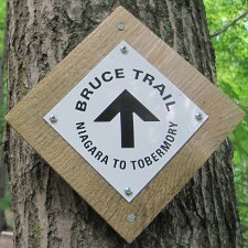 bruce_trail_sign