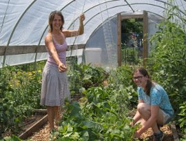 community garden students 2019 270